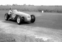HWM F2 John Brown at speed Winfield Scotland 1951